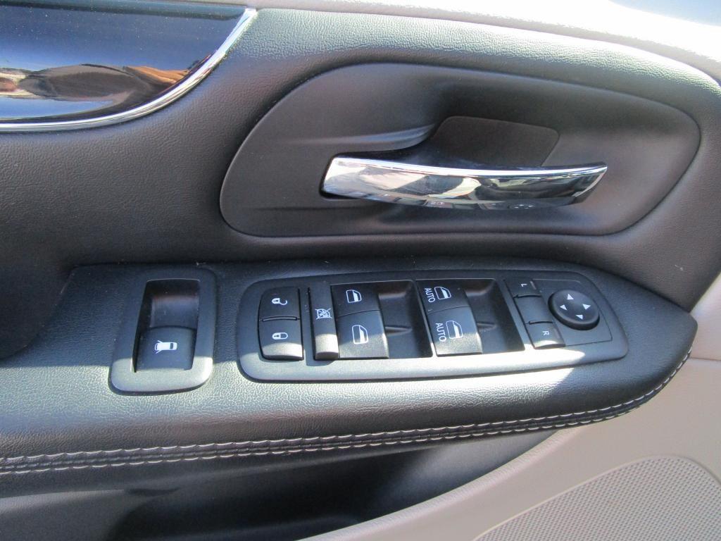 dealerslink_s3_amazonaws_com-vehicles-1354-187075P-F9BA998FA2C7AA8F708F379A839E5D1D_jpg