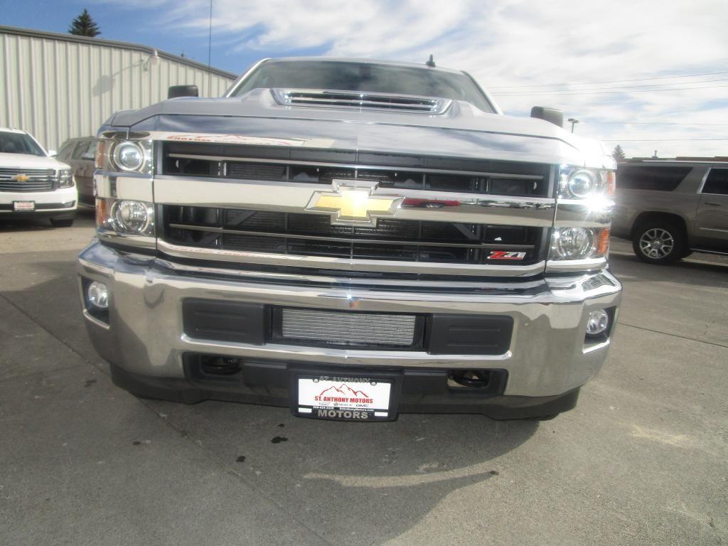 dealerslink_s3_amazonaws_com-vehicles-1354-C198208N-B2FA5E90DF0CCBF0E5F5C120BC458F6E_jpg
