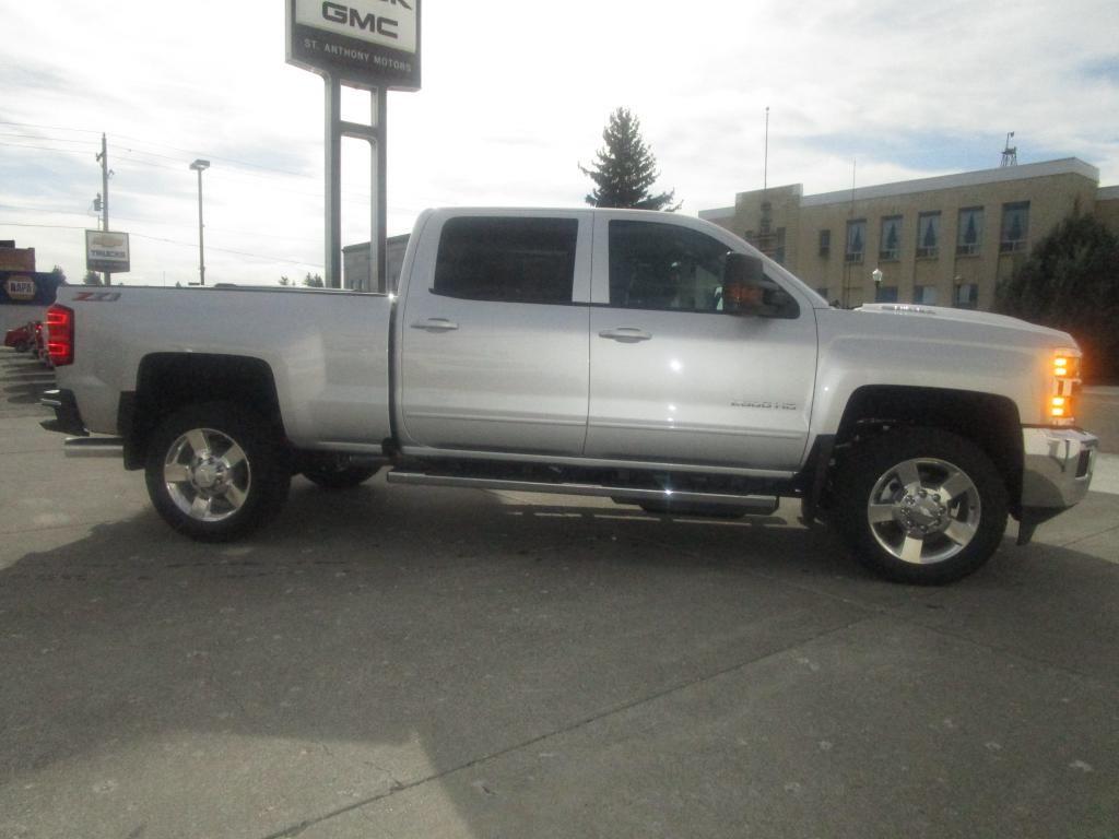 dealerslink_s3_amazonaws_com-vehicles-1354-C198208N-B2FA7819A1291FB0D2D9DECE0EF4185D_jpg
