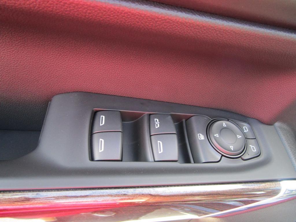 dealerslink_s3_amazonaws_com-vehicles-1354-C200655N-8FD71A4EDF8BBB70587E9DB3DB49BD74_jpg