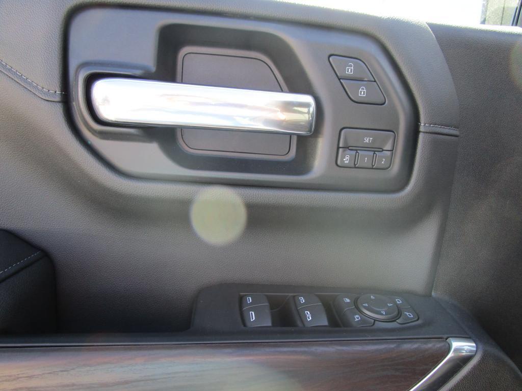 dealerslink_s3_amazonaws_com-vehicles-1354-G192167N-536A9AFCE3D12CC09D664B17CA04CBAB_jpg