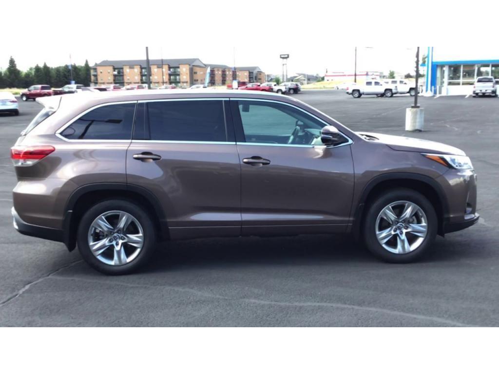 dealerslink_s3_amazonaws_com-vehicles-1355-180091T-61082eef3f107_jpg