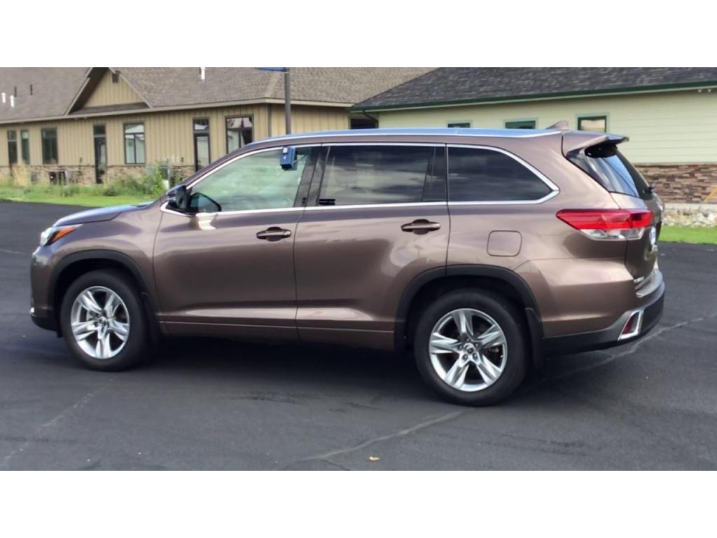 dealerslink_s3_amazonaws_com-vehicles-1355-180091T-61082ef0dd817_jpg