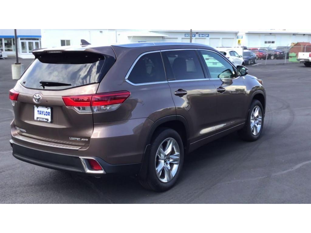 dealerslink_s3_amazonaws_com-vehicles-1355-180091T-61082ef1acf90_jpg