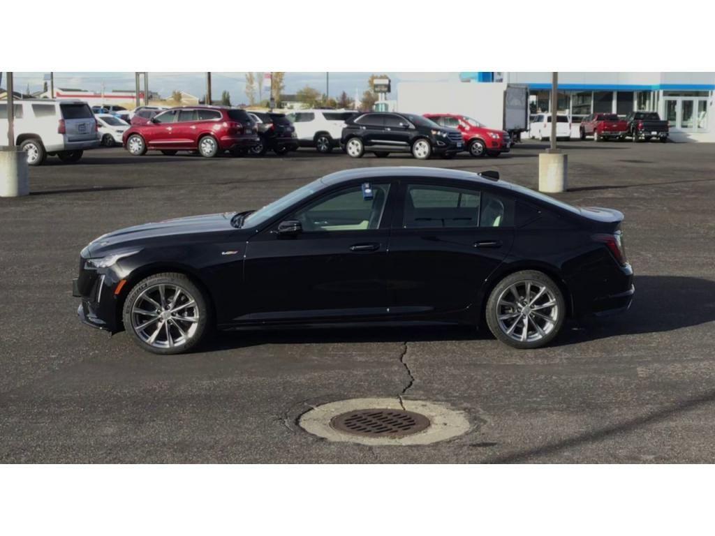 dealerslink_s3_amazonaws_com-vehicles-1355-7952-5f8a34f34f663_jpg