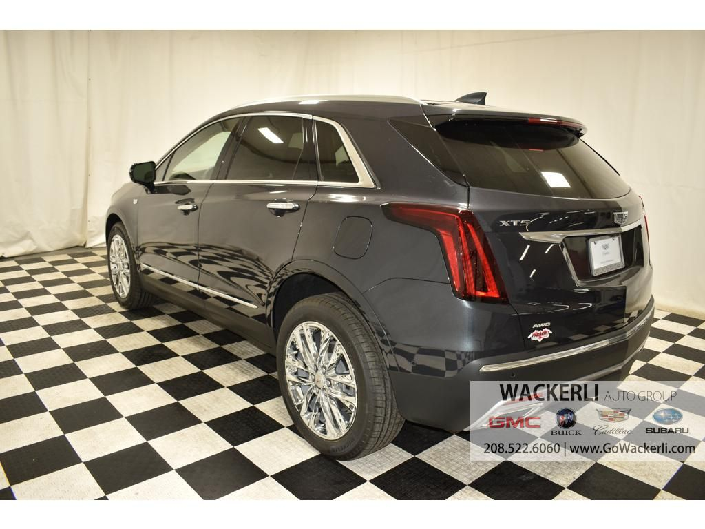 dealerslink_s3_amazonaws_com-vehicles-1841-1C216950-A685D53CC8C5CCC72B352F91F4EBFA61_jpg