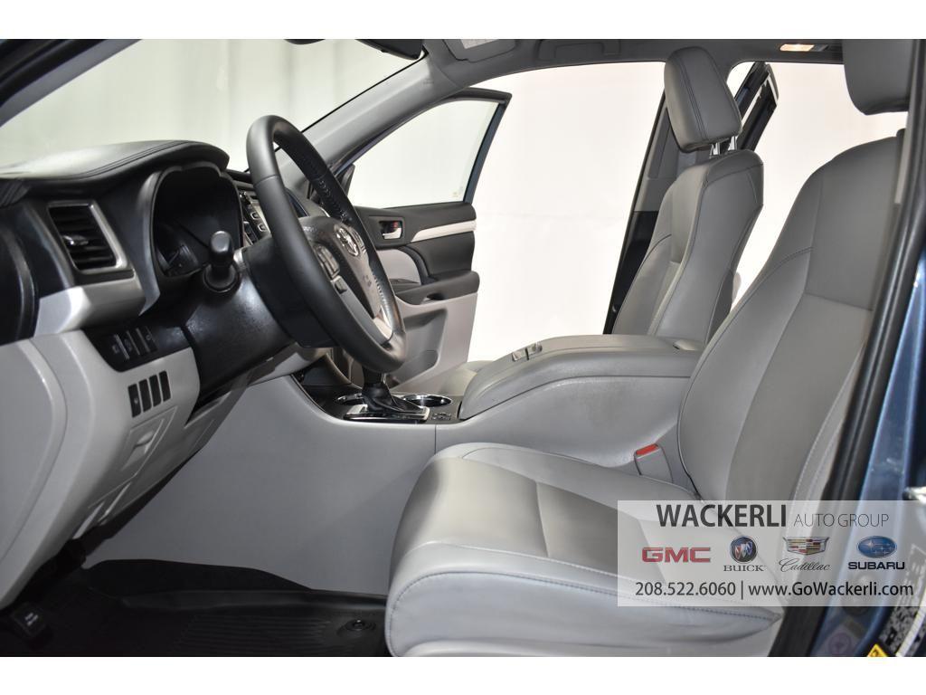 dealerslink_s3_amazonaws_com-vehicles-1841-1G218352A-1F2721580F64936943F032FDF5C1F8FE_jpg