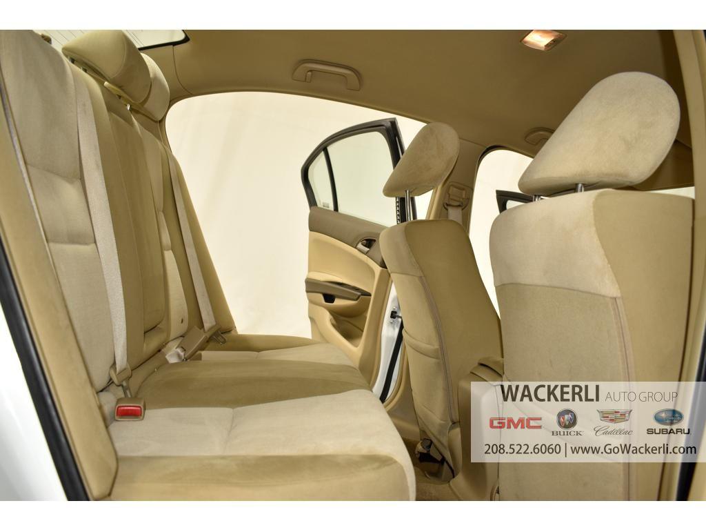 dealerslink_s3_amazonaws_com-vehicles-1841-1P200396A-08008C21F34419708D53E06D347EE977_jpg
