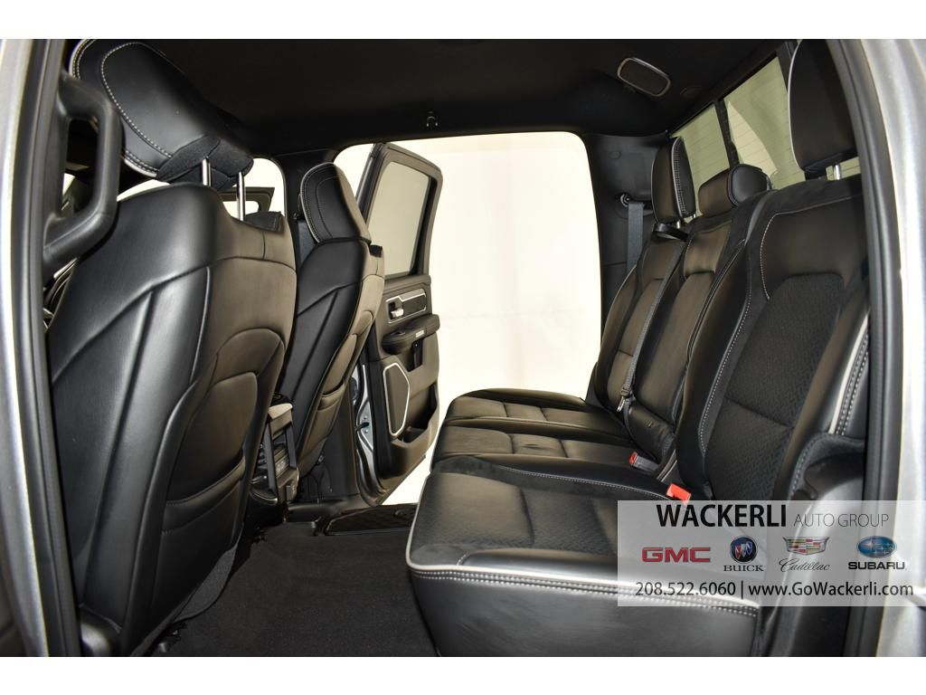 dealerslink_s3_amazonaws_com-vehicles-4683-2S222950A-1DDA898D0B4D997AC5B2B37658F6061C_jpg