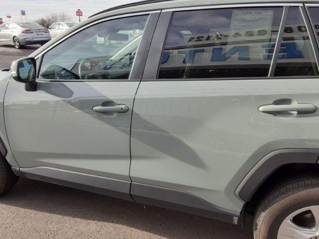 vehicle-photos-published_vauto_com-34-11-ec-1d-8136-45d0-a8a9-7aaff1f59bc3-image-9_jpg