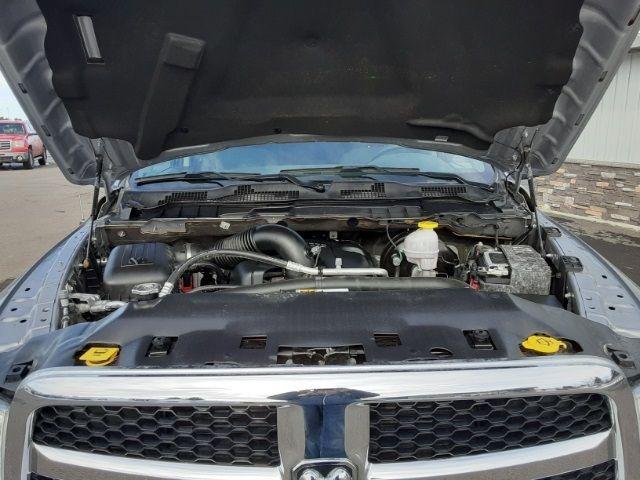 vehicle-photos-published_vauto_com-69-60-32-47-6a4b-4238-bdbd-7215217a1d18-image-9_jpg