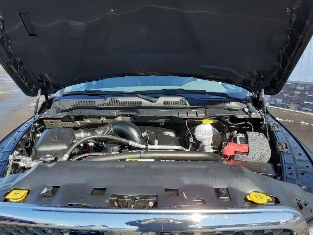 vehicle-photos-published_vauto_com-81-a5-e0-2f-9e2e-46cd-bf7a-1f5222ee125c-image-9_jpg