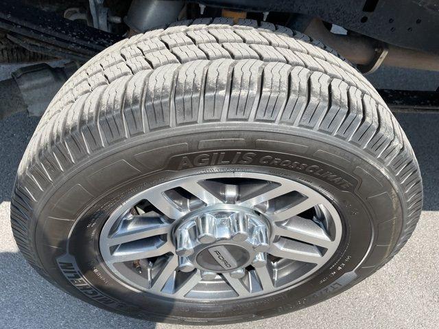 vehicle-photos-published_vauto_com-85-fc-b2-4b-bb29-4ef8-9522-eb4750fbf630-image-11_jpg